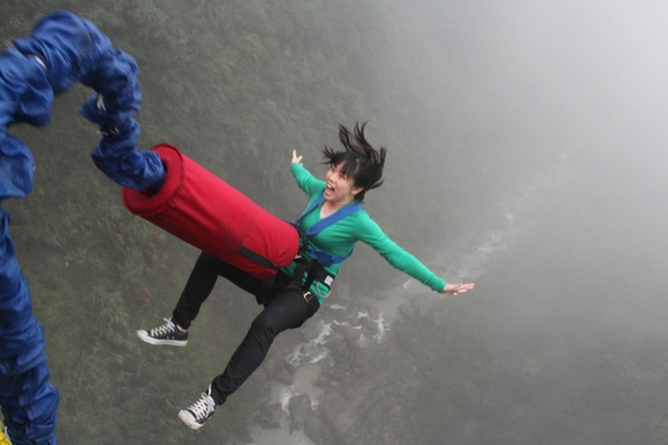 which-is-more-dangerous-skydiving-or-bungee-jumping-3.jpg