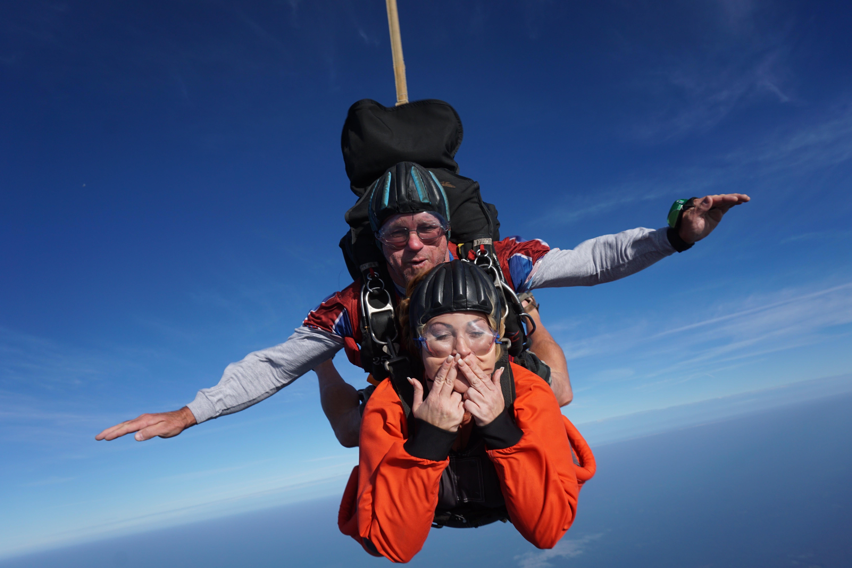 tandem skydiving bucket list ideas