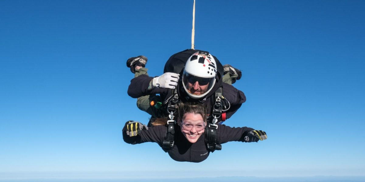 skydiving pros and cons