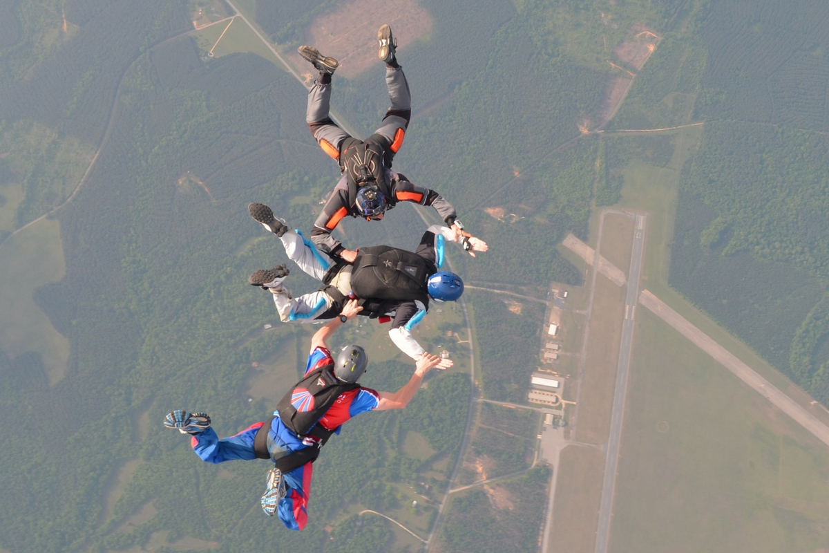 learn to skydive aff accelerated freefall how to become a skydiver