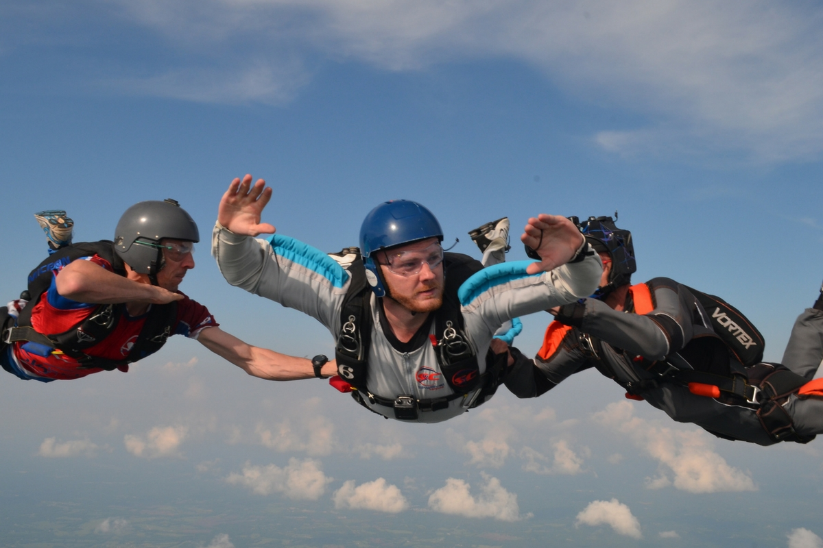 aff skydive freefall with two instructors