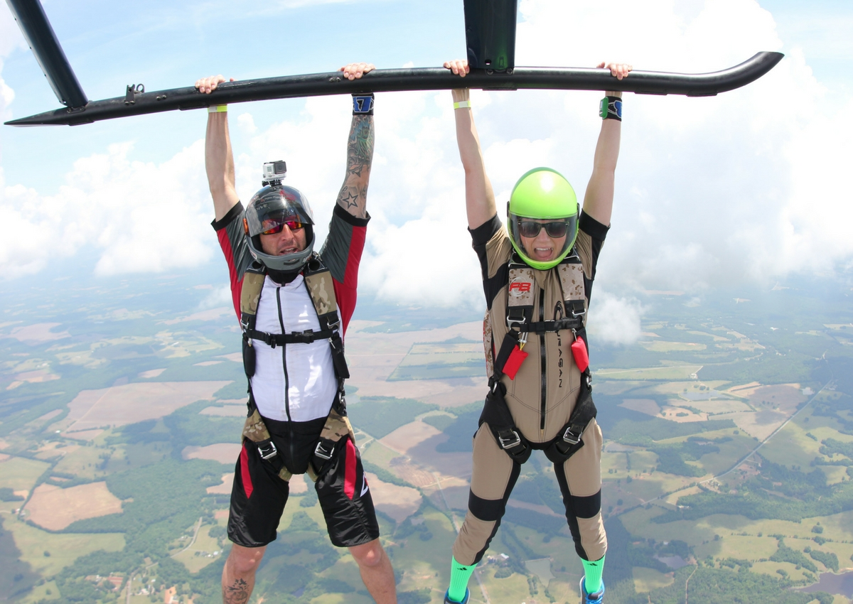 helicopter skydive bucket list