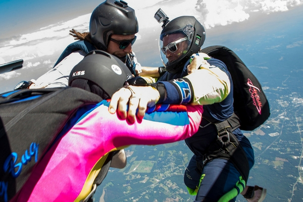 experienced skydivers exit together