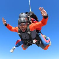 become a professional skydiver