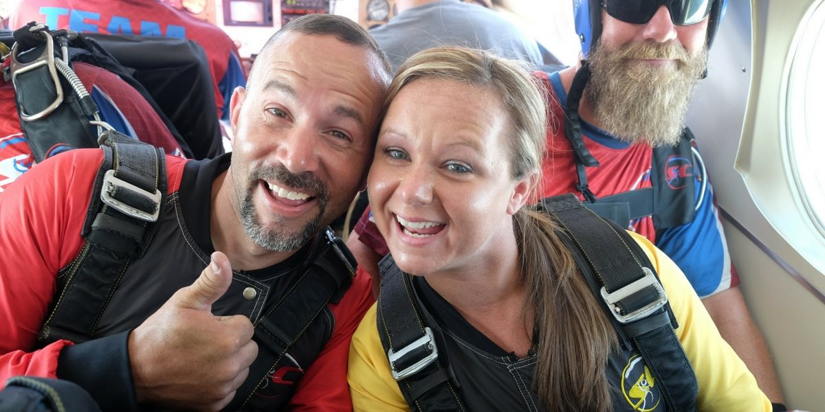 experience gifts for couples skydiving