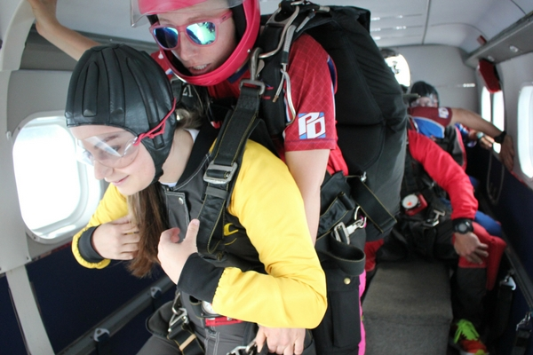 which-is-more-dangerous-skydiving-or-bungee-jumping-2.jpg